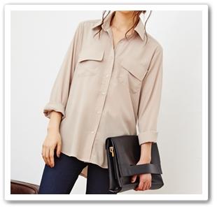 とろみ素材のベージュのシャツでサファリテイストな夏コーデ